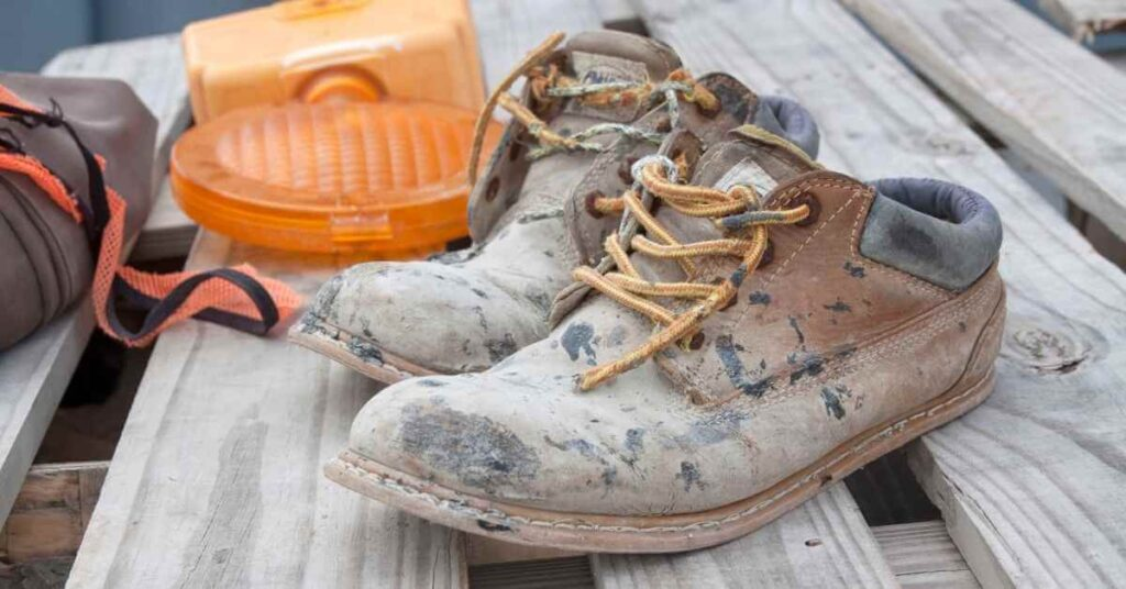 How to wash leather work boots